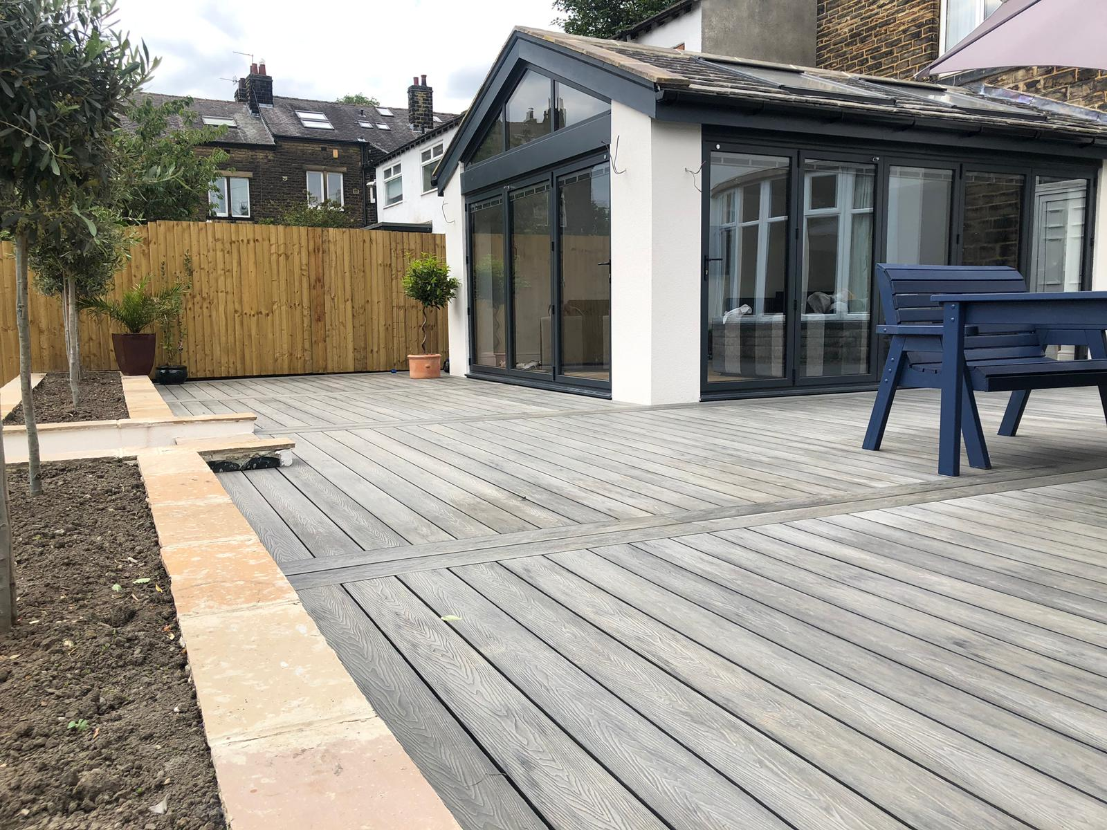 HERITAGE MIXED GREY DEEP EMBOSSED COMPOSITE DECKING