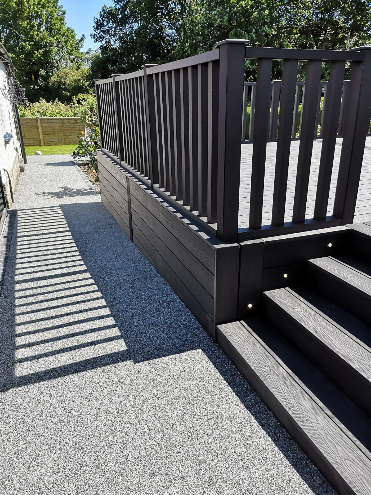 Heritage Dark Charcoal Deep Embossed Composite Decking with Composite Handrails and LED Li