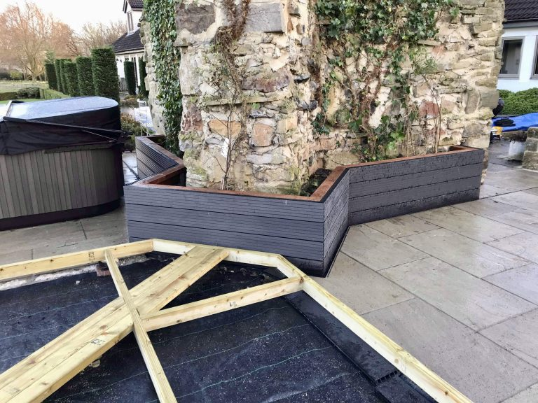CHARCOAL GREY COMPOSITE DECKING