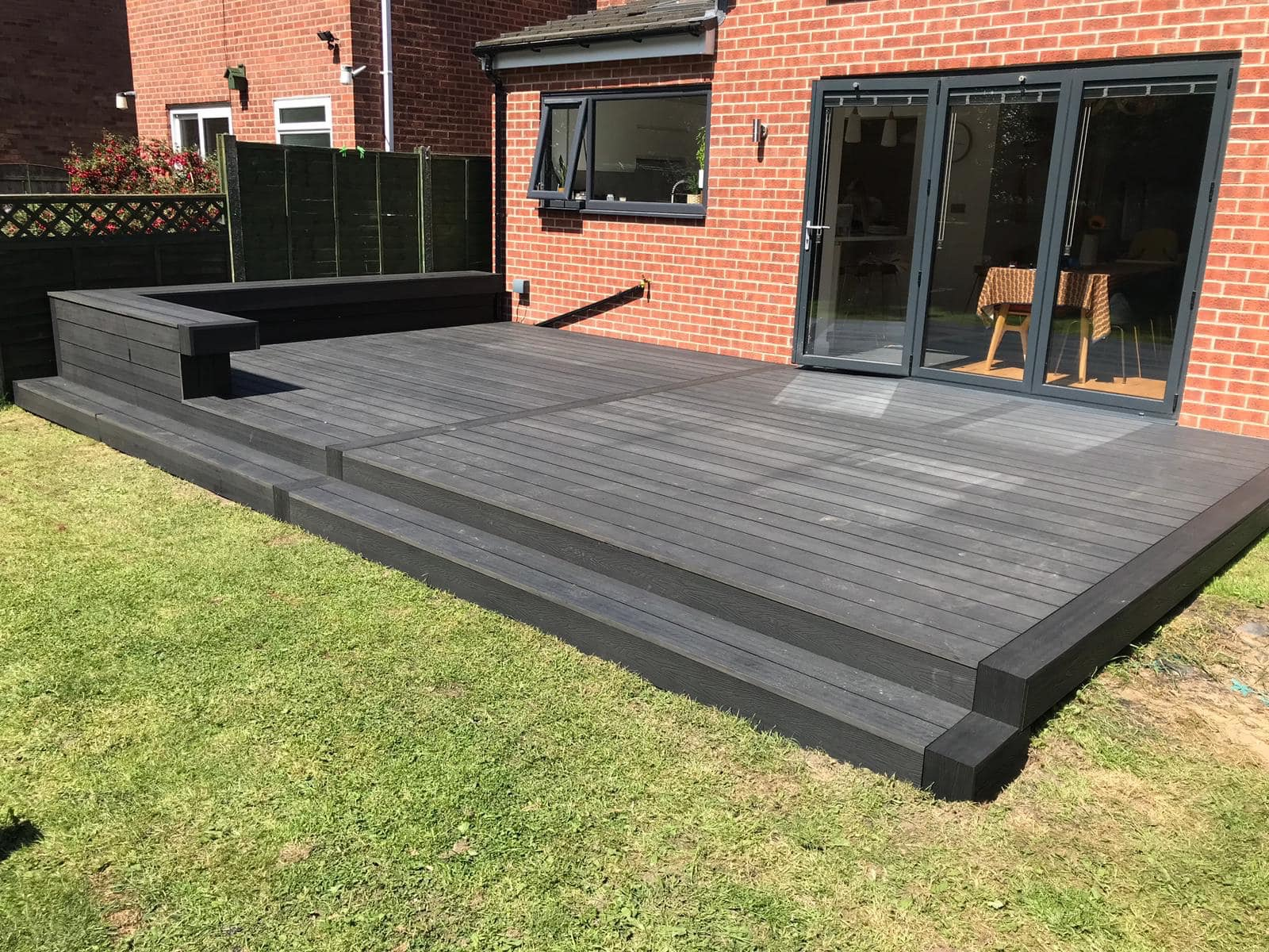 HERITAGE DARK CHARCOAL DEEP EMBOSSED COMPOSITE DECKING