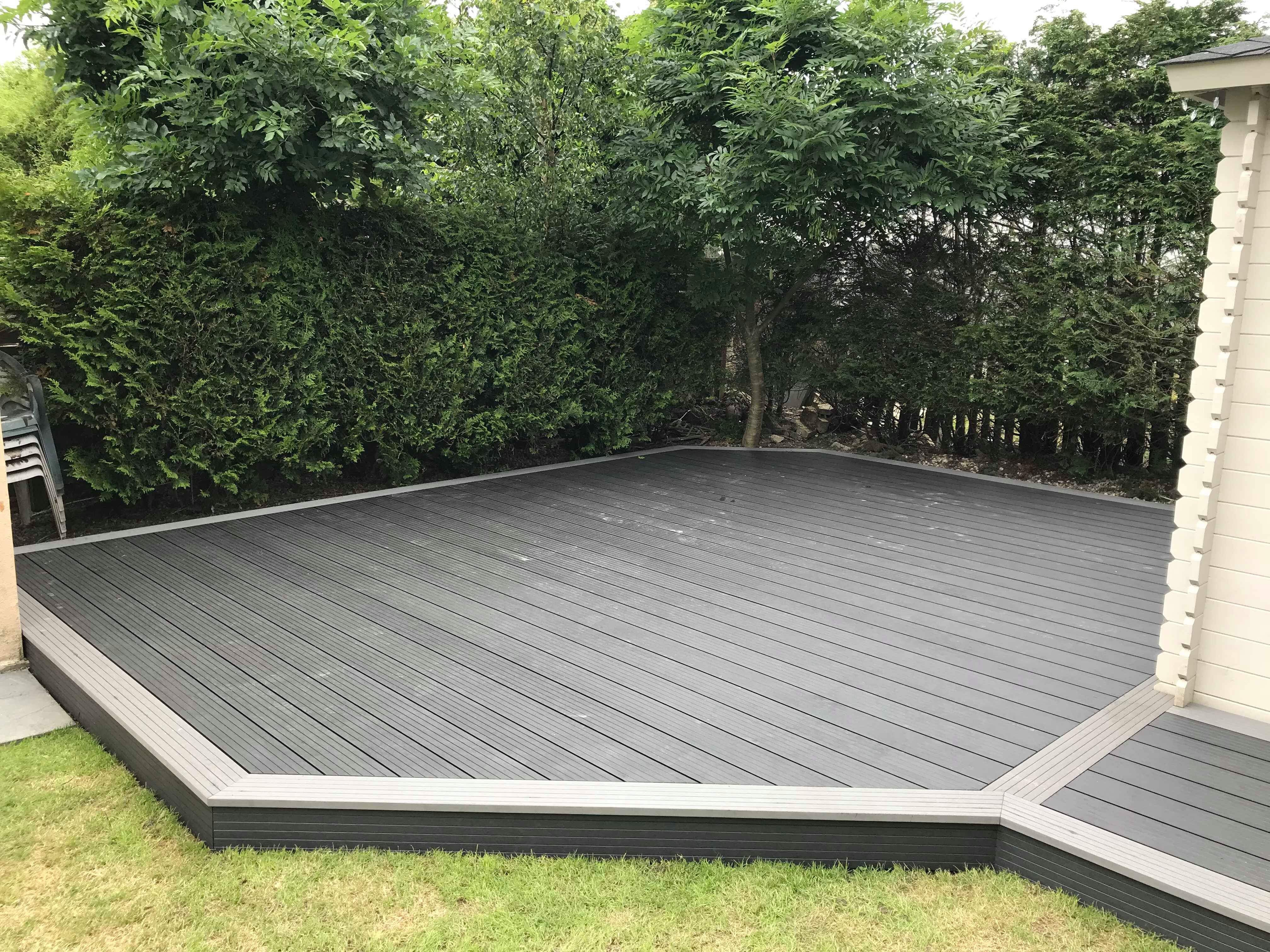 CHARCOAL COMPOSITE DECKING WITH GRAPHITE TRIM