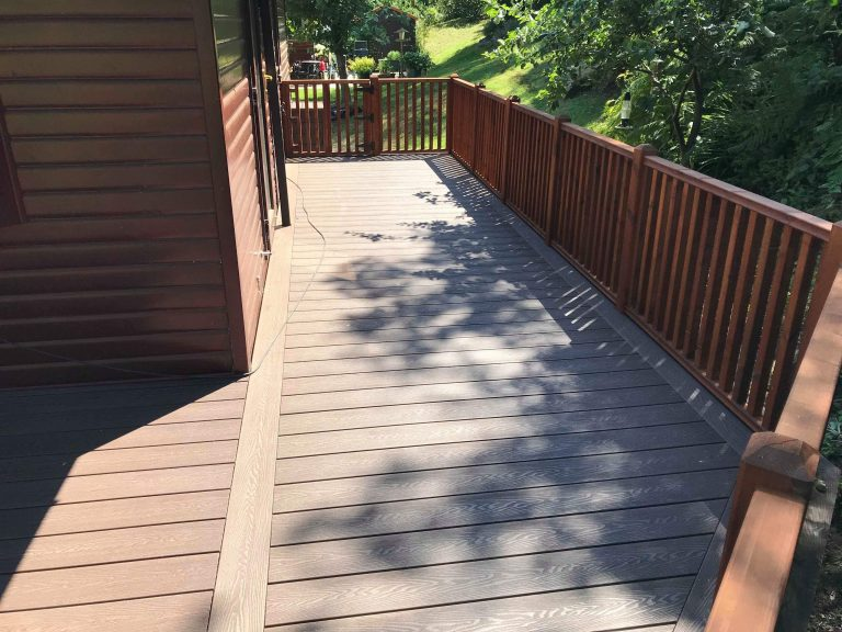 DEEP EMBOSSED MAHOGANY COMPOSITE DECKING