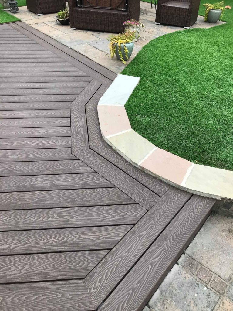 wood grain compostie decking