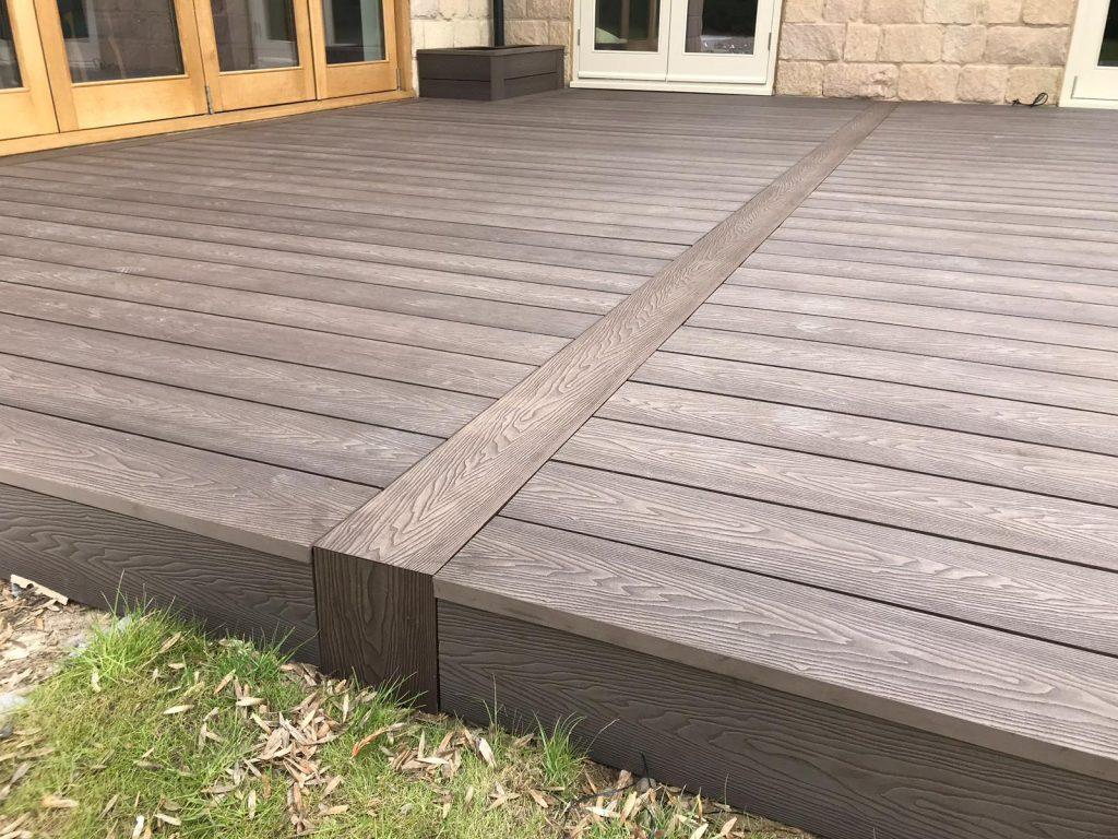 Heritage Brown Deep Embossed Wood grain effect Composite Decking